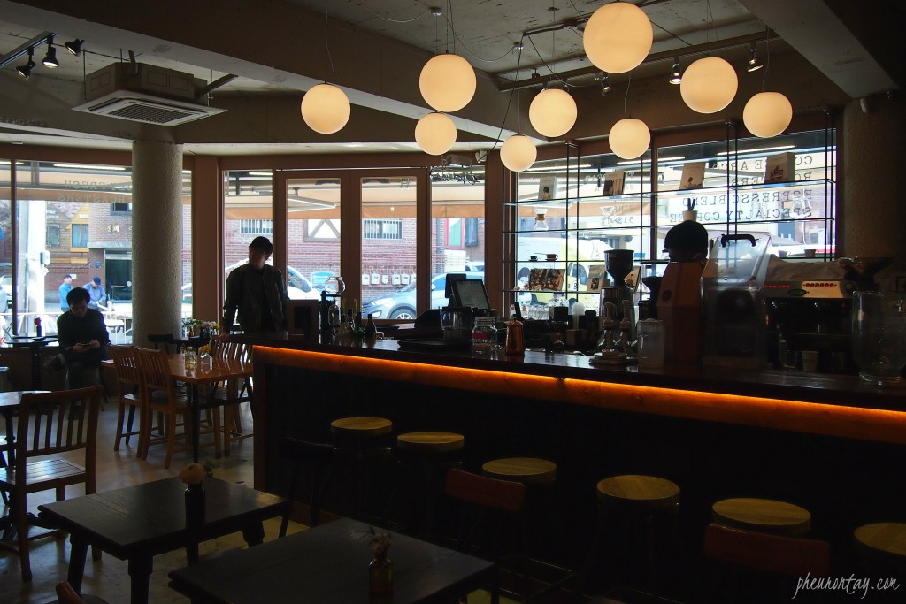 cafe arco garosugil south korea